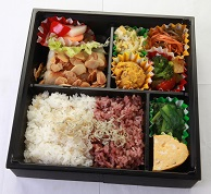https://www.agri-obanzai.com/塩分2g以下の減塩弁当 【魚のアーモンドムニエル】